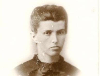 Emma-Snodgrass1